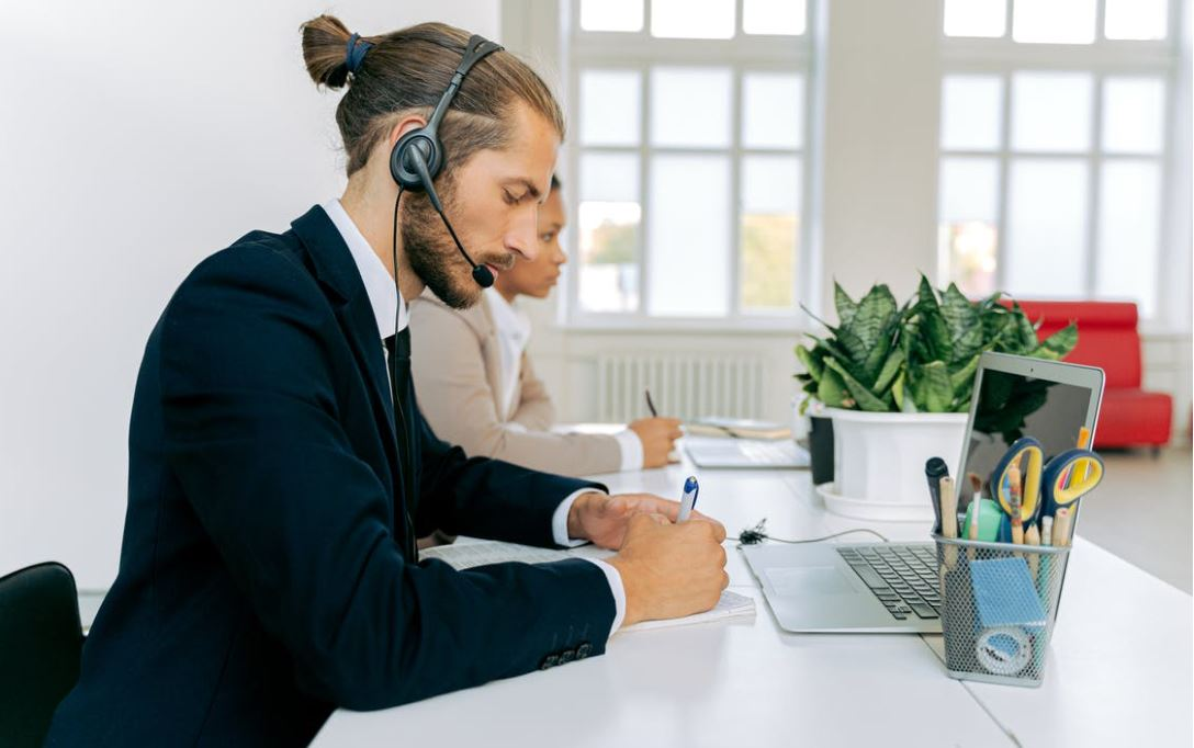 headset call
